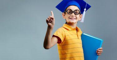 Mendidik Anak Cerdas dan Anak Hebat